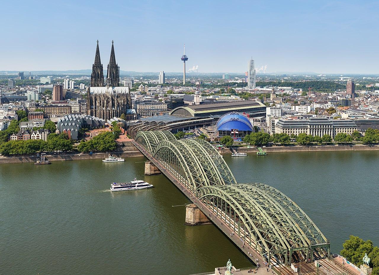 1280px-Stadtbild_Köln_(50MP)